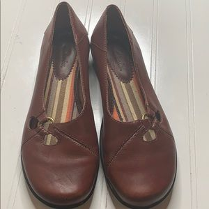 Clark's Chilie Brown Loafer - Sz 6 - 71422